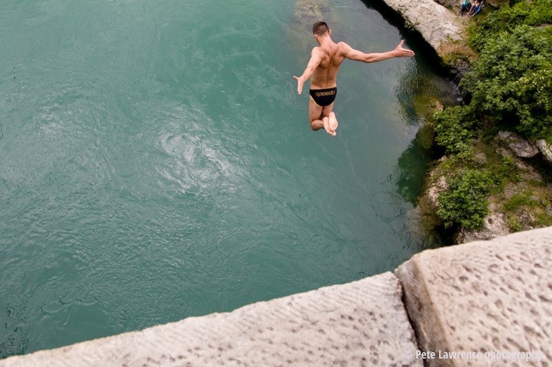 bridge-jumper-mostar-bosnia